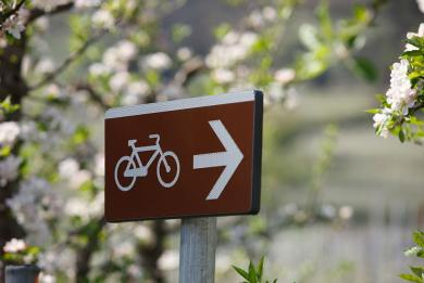 Sign to the cycling trail